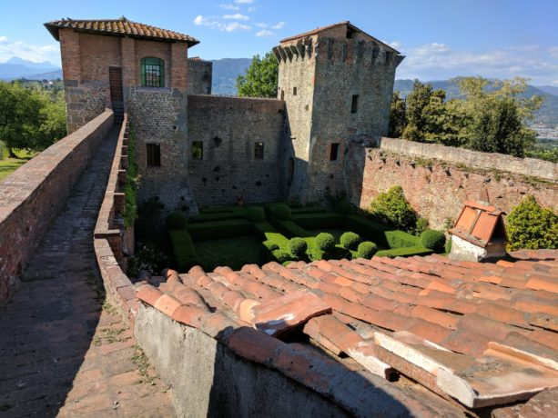 A day trip to Tuscany,  wine Tasting, and a stunning fortress